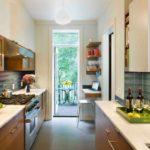 Cum poti amenaja o bucatarie de bloc lunga si ingusta