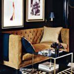 Pereti bleumarin asortati cu canapea fixa catifea culoare camel