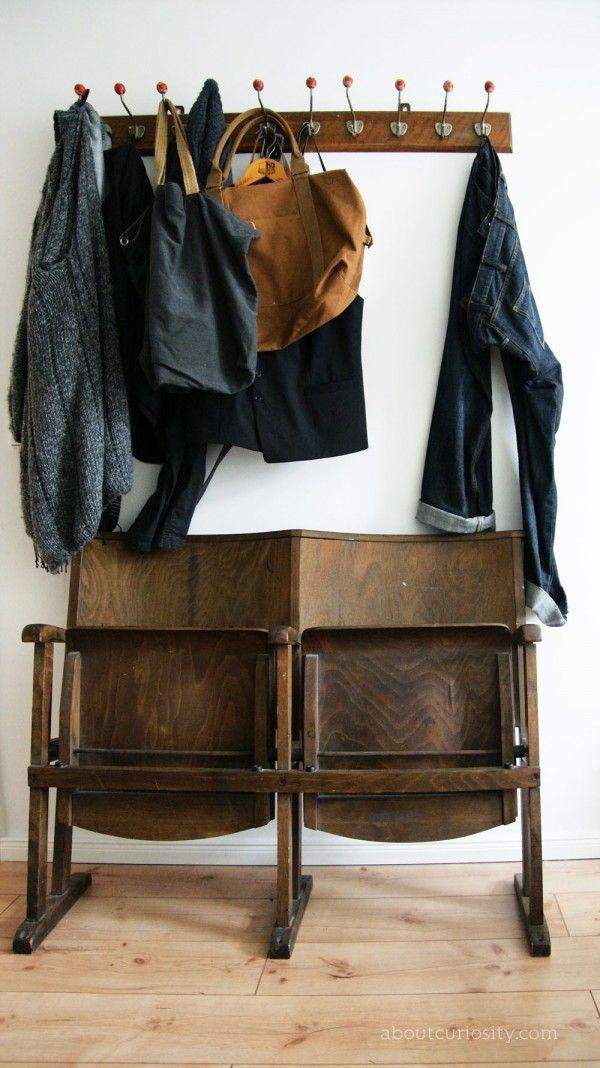 Scaune pliabile idee pentru un dressing in holul de la intrare