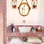 Blat pentru chiuveta de baie din mozaic alb cu rosu