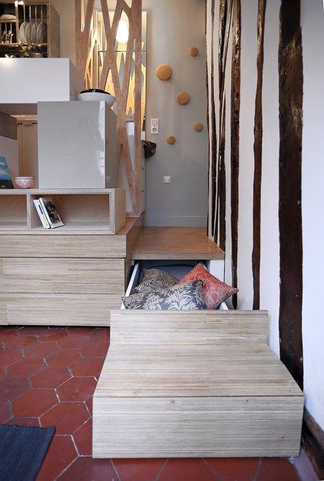 Scarile interioare folosite ca spatii de depozitare ascunse