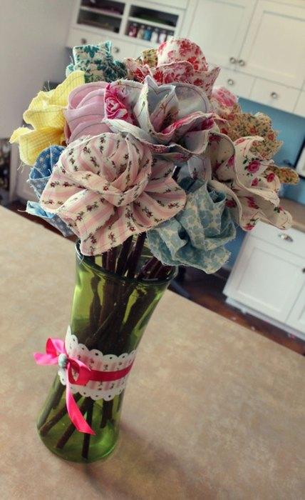 Vaza cu flori care nu se ofilesc niciodata
