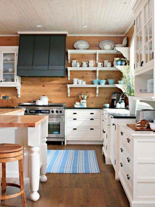 bucatarie cu aspect rustic cu pereti placati cu lemn