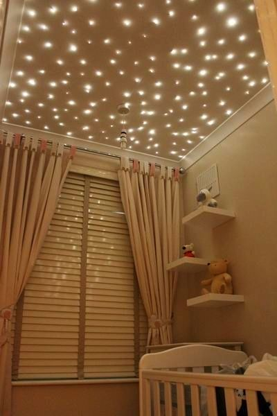 camera in tonuri de bej si spoturi luminoasa in tavan