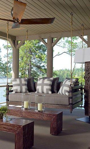 canapea leagan cu rama din lemn natur