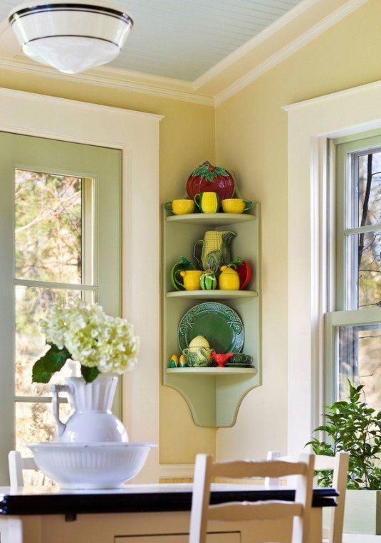 etajera cu rol de decoratiune de culoare verde