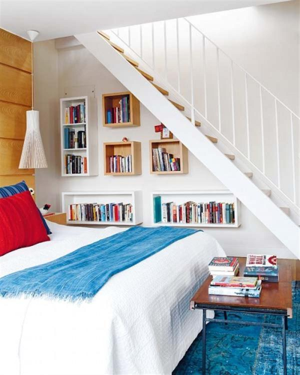 etajere suspendate folosite pentru depozitare