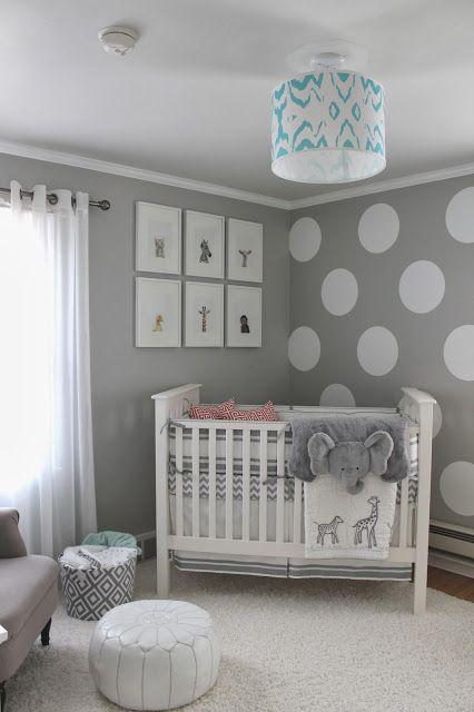 Dormitor nou nascut amenajat in tonuri de gri