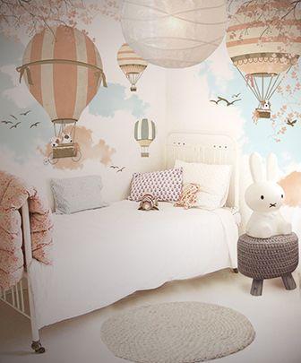 pereti cu stickere decorative atat pentru fetite cat si pentru baieti