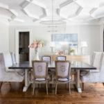 dinning-room modern luminos parchet maro mobilier alb cu maro
