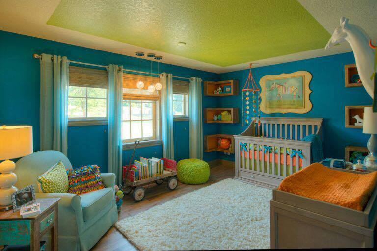camera copil verde cu albastru