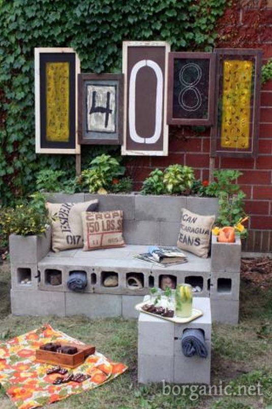 Canapea de exterior din ciment