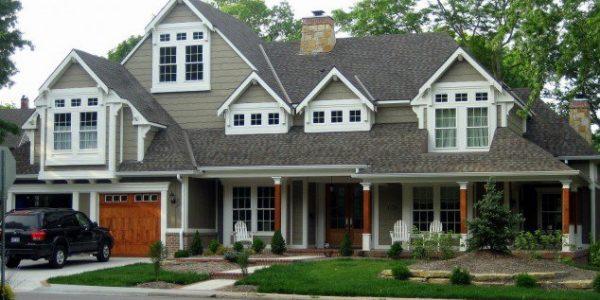 Casa cu etaj pe structura din lemn