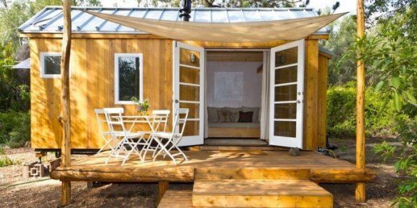 Casa din lemn pentru uz temporar