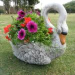 Lebada de gradina din ciment pentru flori