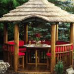 Foisor elegant de lemn