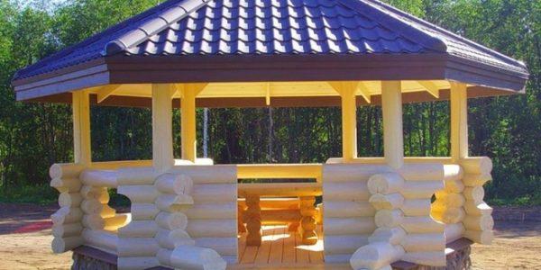 Foisor mare de lemn