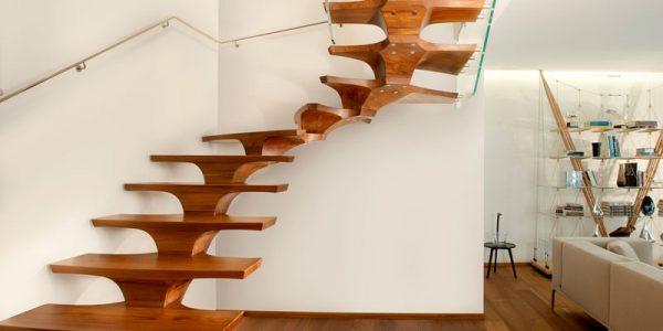Scara interioara lemn cu design superb