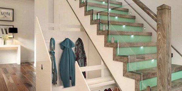 Scara interioara sticla si lemn