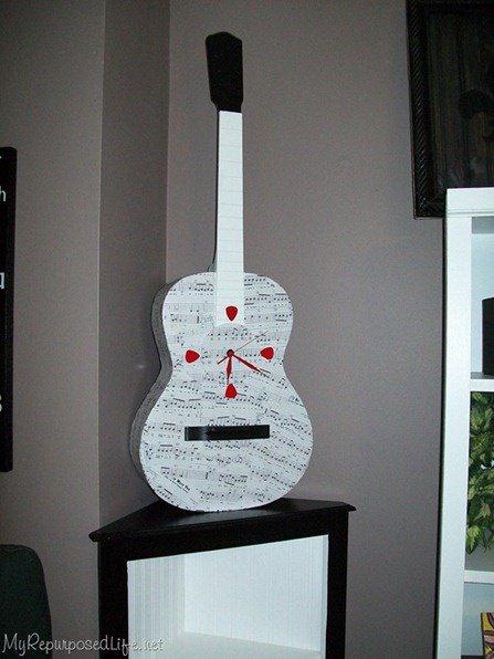 Decor chitara cu ceas