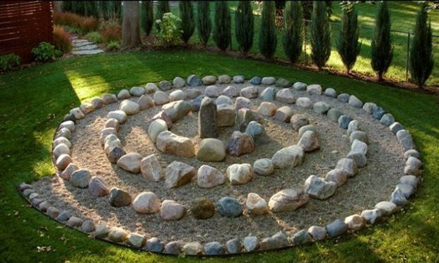 Decoratiune circulara din piatra