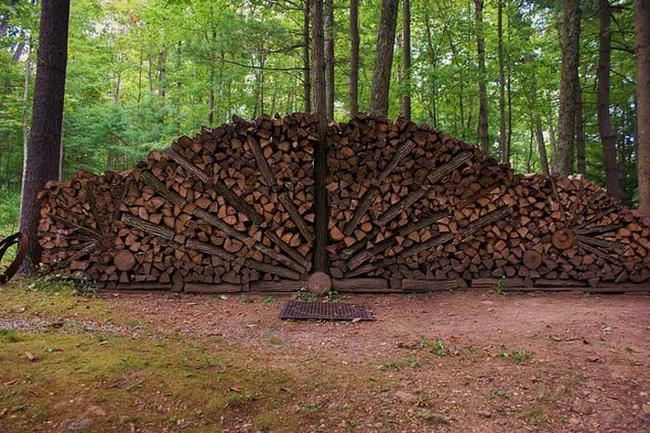 Design gradina cu lemne de foc