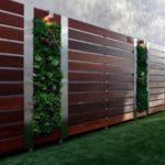 Gard lemn gradina moderna