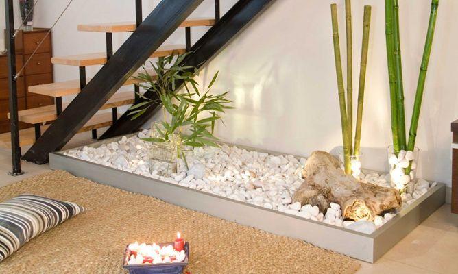 Gradina sub scari cu bambus