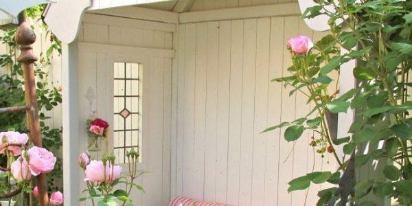 Pavilion alb de gradina