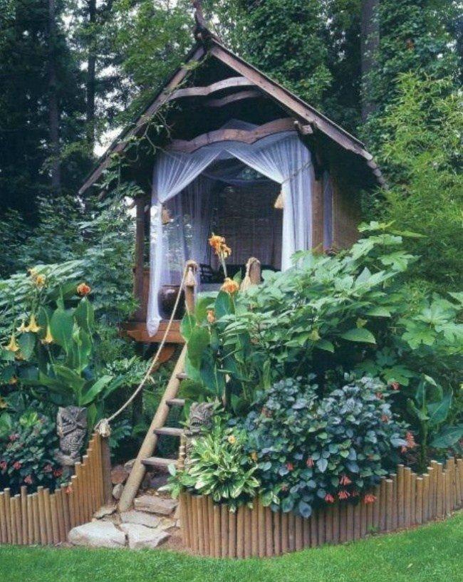 Pavilion de gradina cu scari