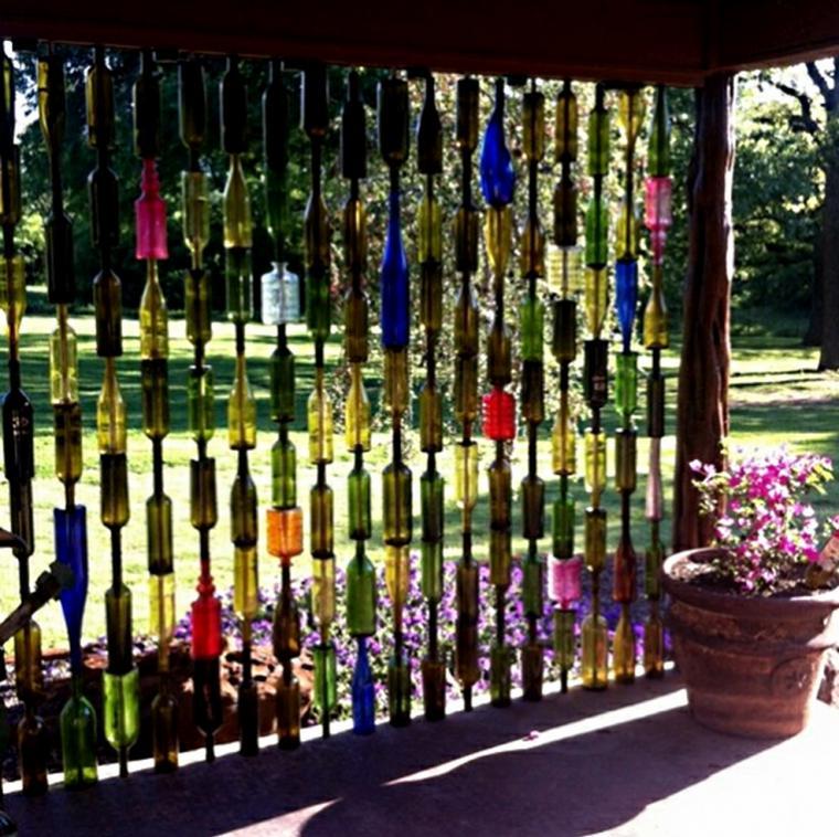 Perdea terasa din sticle colorate