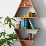 Rafturi lemn cu forme geometrice