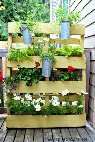 Suport flori din paleti