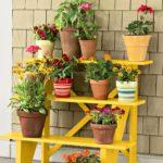 Suport flori galben pentru terasa