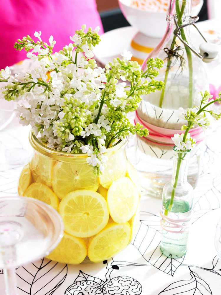 Vaza decorata cu felii de lamaie