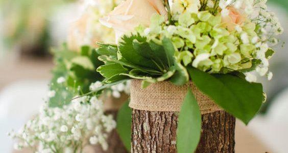 Vaza flori din trunchi de copac