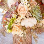 Vaza frumoasa flori din trunchi de copac