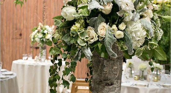 Vaza inalta din trunchi de copac