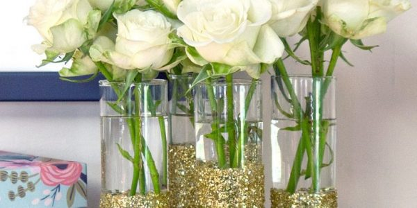Vaze decorate cu sclipici
