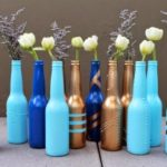 Vaze din sticle vopsite