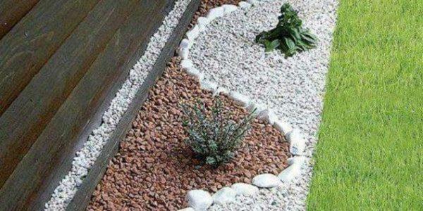 Decor gradina cu pietre albe si maro