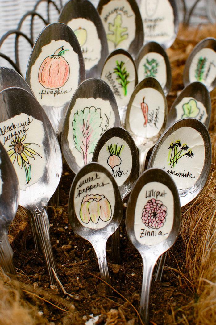 Decoratiune cu linguri