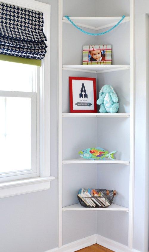 Rafturi mici colt camera copil