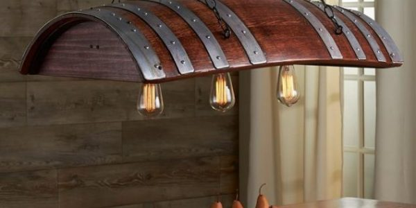 Sistem iluminare dining din butoi din lemn