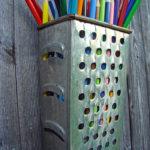 Suport creioane din razatoare