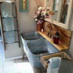 Baie cu obiecte sanitare rustice