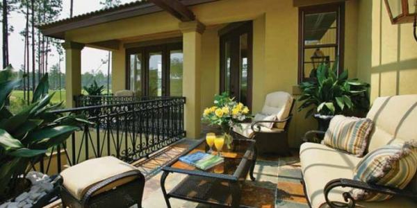 Balcon casa in stil mediteranean
