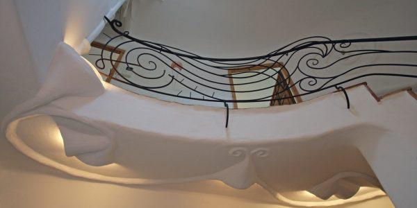 Balustrada si tavan cu decoratiuni