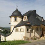 Casa cu mansarda din povesti
