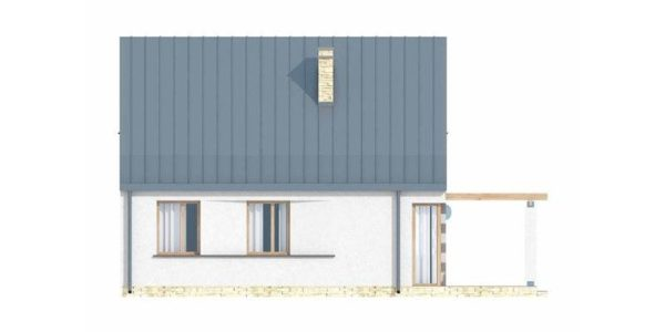 Vedere spate casa cu acoperis inalt